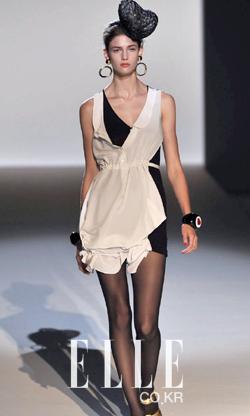 2010 S/S 밀라노컬렉션Moschino