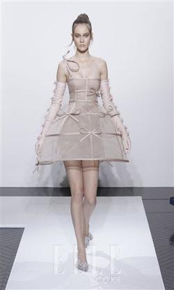 2010 F/W 오트쿠튀르Valentino Haute Couture