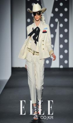 2011 S/S 밀라노컬렉션Moschino