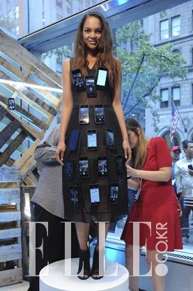 2015 S/S 뉴욕컬렉션ELIE TAHARI