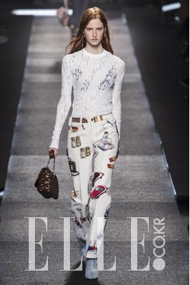 2015 S/S 파리컬렉션Louis Vuitton