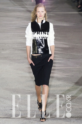 2015 S/S 파리컬렉션ANTHONY VACCARELLO