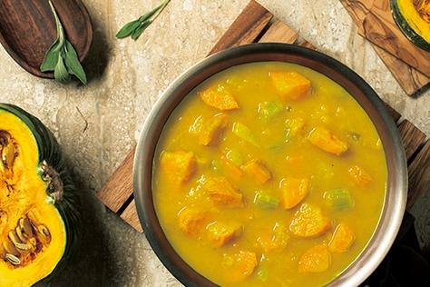 뭉근하게 끓여낸 단호박 당근 수프