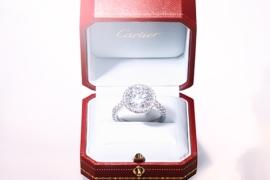 눈부신 까르띠에 다이아몬드