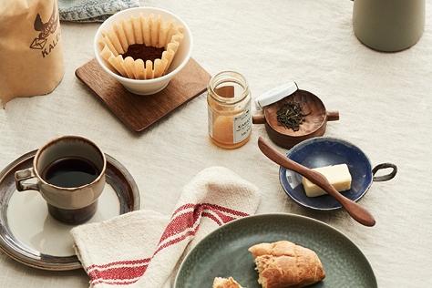 모던한 아침 테이블
