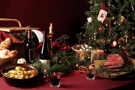 낮과 밤의 극명한 매력이 담긴 박세훈의 두 가지 크리스마스 만찬.::요리,푸드,크리스마스,박세훈,파티,홀리데이,엘르,elle.co.kr::