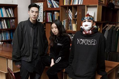 제11회 삼성 패션 디자인 펀드의 우승자 '99%IS-'의 박종우와 '혜인서(Hyein Seo)'의 듀오 서혜인과 이진호를 만났다. ::삼성 패션 디자인 펀드,99%IS-,박종우,혜인서,서혜인,이진호,엘르,엘르걸,elle.co.kr::