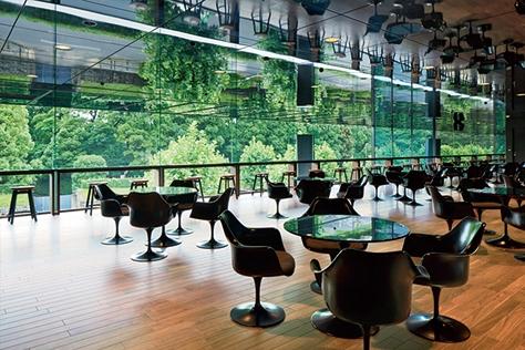일본 아오야마 거리의 소게츠 회관에 오픈한 디자이너 넨도의 카페.::일본,도쿄,아오야마,커피숍,넨도,디자이너,디자인그룹,인테리어,여행,데코,엘르데코,엘르,elle.co.kr::