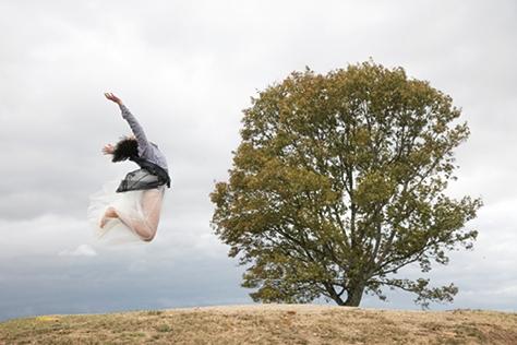 미우미우 우먼스 테일의 11번째 단편영화 <시드>는 일본 여성감독 나오키 가와세가 만들었다. ::미우미우 우먼스 테일,11번째 단편영화,시드,Seed,나오키 가와세,엘르,엘르걸,elle.co.kr::