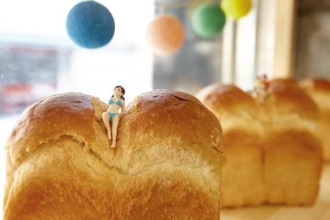 소월길로 여행을 떠난 나래가 세 번째로 소개하는 곳은 건강한 식사 빵집 '후암동 식빵'이다.::나래가간다,소월길,후암동,후암동식빵,빵집,베이커리,건강빵,우유식빵,초코넛,크랜베리 화이트초코,맛집,엘르,elle.co.kr::