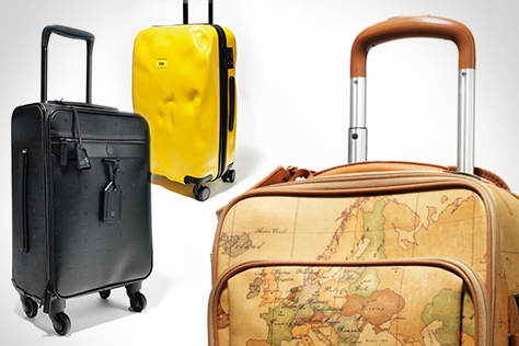 평범한 여행 가방은 이제 그만! 바캉스를 더욱 패셔너블하게 만들어줄 7가지의 트롤리를 엄선했다. 체크 패턴, 트위드, 경량 패브릭, 레더 등 각기 다른 소재와 견고한 디자인으로 완성한 패션 트롤리.::여행가방, 트롤리, 바캉스, 트렁크, 여행, 여름 휴가, 베케이션, 샤넬, 글로브트로터, 엠씨엠, 크래시 배기지, 라움, 하트만, 프리마클라쎄, 키플링, 엘르, Chanel, Globe-Trotter, Crash Baggage, Raum, Hartmann, Prima Classe, Kipling, elle, elle.co.kr::
