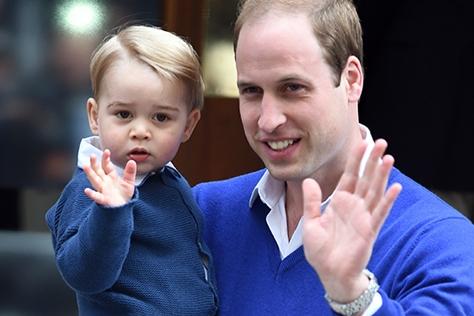 전세계의 '우쭈쭈'를 받고 있는 왕실 베이비들. 귀여움은 기본이고 패셔너블하기까지한 조지 왕자와 샬럿 공주의 앙증맞은 모먼트들.::조지왕자,샬럿공주,영국,왕실,엘르,elle.co.kr::