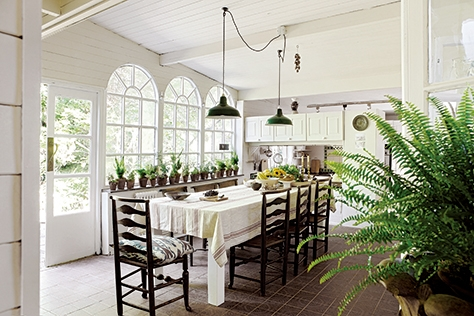 그린 무드의 식물로 꾸민 건축가와 디자이너들의 집에서 찾은 식물 데코레이션 팁.::식물,그린,인테리어,엘르,elle.co.kr::