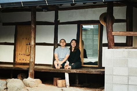 수도권을 떠나본 적 없는 부부가 서울에서 300km 떨어진 하동으로 이사했다. 그들은 묻는다. 꼭 서울에서 살아야 하나요? ::하동,헌 집 새 집,김자혜,엘르데코,데코,라이프스타일,엘르,엘르걸,elle.co.kr::