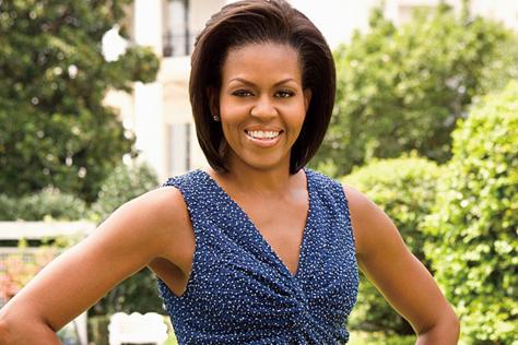 가장 '핫'한 대통령과 영부인으로 기록될 버락 오바마와 미셸 오바마가 8년의 임기를 마치고 백악관을 떠난다. 전 세계 비만율 1위라는 오명의 미국사회에 건강한 식단과 피트니스에 대한 인식을 전환하기 위한 그들의 노력과 정치적 활동이 시사하는 바에 대하여::미셸오바마,버락오바마,오바마,건강,피트니스,운동,영부인,토마토,야채,과일,딸기,피자,피자는 야채다?,비만,뷰티,다이어트,엘르,elle.co.kr::