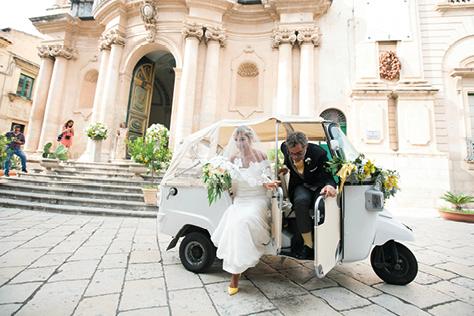 이탤리언의 취향이 물씬 묻어나는 세 커플들의 이국적이고 동화 같은 결혼식::결혼식,이탈리아,이태리식,이탤리언,동화같은,웨딩,야외결혼식,독특한 결혼,결혼,결혼식,신부,웨딩,브라이드,엘르 브라이드,엘르,elle.co.kr::