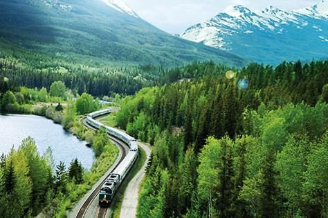 안데스 산맥을 따라 달리는 야간열차부터 천장이 유리로 된 기차까지, 색다른 여행의 기억을 선사해 줄 세계의 기차들::기차,기차여행,해외 여행,여행 코스,페루,페루 여행,야간 열차,안데스,벨몬드 안데스 익스플로러,시베리아 횡단,횡단 열차,세븐스타,일본 기차,비아레일,캐나다 기차,캐나다 여행,휴가,여름 휴가,엘르,elle.co.kr::