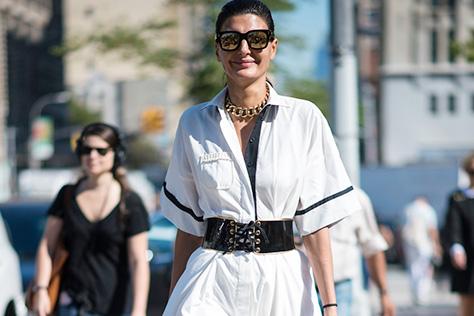 여름날 튜닉 슬림하게 입기::여름,패션,다이어트,체형,튜닉,스타일,벨트,패션,엘르,elle.co.kr::