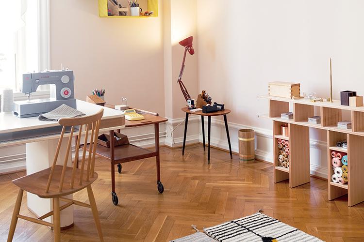 가구 디자이너 최근식과 텍스타일 디자이너 신서영의 '말뫼'집은 여유의 가치를 담은 공간이다::인테리어,말뫼,집,가구디자이너,최근식,텍스타일디자이너,신서영,스위스,데코,엘르,elle.co.kr::