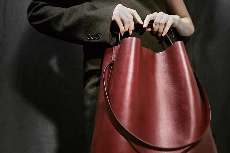 2016년 덴마크에서 탄생한 가방 브랜드 에스터 에크메가 가진 단순함의 힘::가방,에스터 에크메,스테판 박,디자이너,트렌드,액세서리,엘르 액세서리,엘르,elle.co.kr::