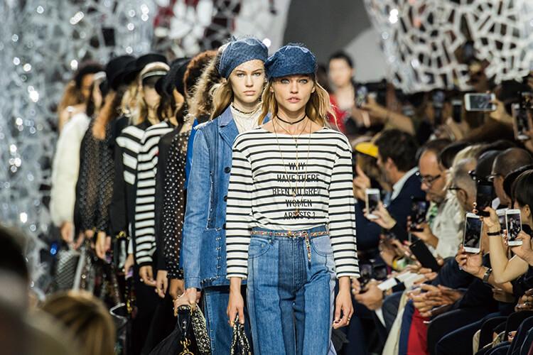 컬렉션의 초점이 파리로 집중된다. 파리의 유구한 역사와 유산까지::파리,패션위크,파리패션위크,컬렉션,엘르,elle.co.kr::