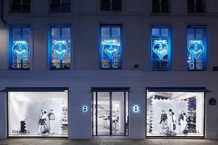 파리 출장의 성지이자 패션 피플이 애정했던 꼴레뜨의 대미를 장식할 브랜드는 바로 샤넬이다::꼴레뜨,샤넬,칼 라거펠트,패션,엘르,elle.co.kr::