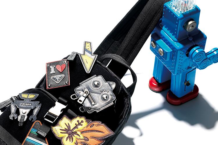 10여 년 전, 그때 그 시절의 깡통 로봇을 추억하며::로봇,로봇프로젝트,프라다,백팩,패치,테수토태그,깡통로봇,로보트,로봇 트릭 시리즈,패션,엘르,elle.co.kr::