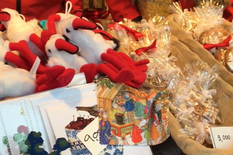 어서와, 이번엔 프랑스야. 500년 역사로 유럽에서 가장 오래된 프랑스 크리스마켓이 한강에서 열린다::크리스마스, 크리스마스 마켓, 스트라스부르, 프랑스, 성탄절, 한강, 서울, 푸드트럭, 뱅쇼, 와인, 선물, 엘르, elle.co.kr::