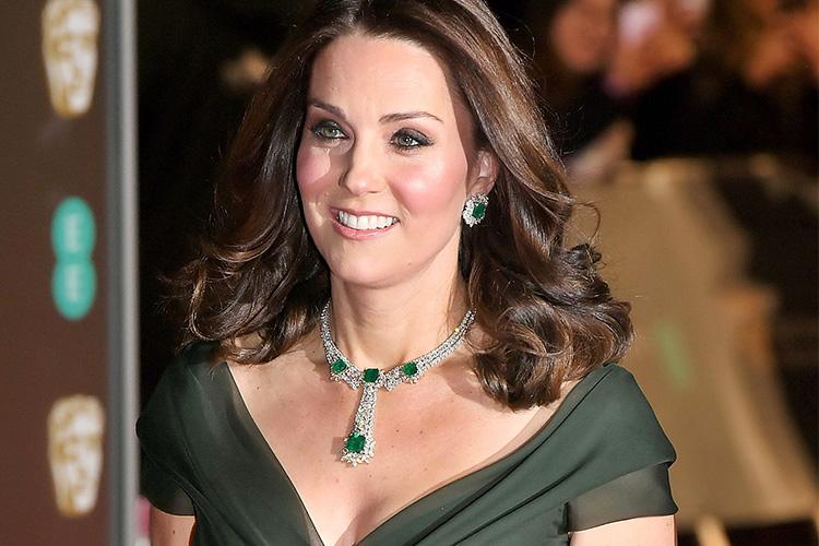 패션 아이콘 케이트 미들턴이 드레스 코드를 지키지 않은 이유::케이트 미들턴, 왕세자비, 패션, 아이콘, 왕실, 영화제, 시상식, 아가씨, 스타일, BAFTAs::