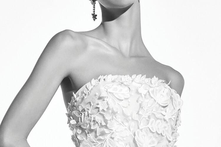 이번 시즌 신부들의 마음을 사로잡을 웨딩드레스::웨딩드레스,드레스,결혼식,화보,웨딩화보,엘르,elle.co.kr::