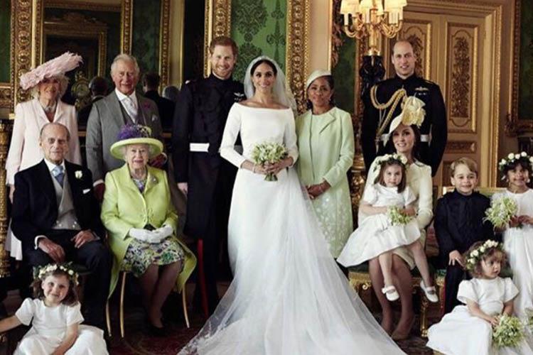 로열 웨딩을 완성하는 네 가지 아름다움 '오래된 것, 새것, 빌린 것, 푸른빛의 것'에 대하여 ::메건 마클, 결혼식, 웨딩, 드레스, 로열, 왕실, 영국, 패션, 스타일, 엘르, elle.co.kr::