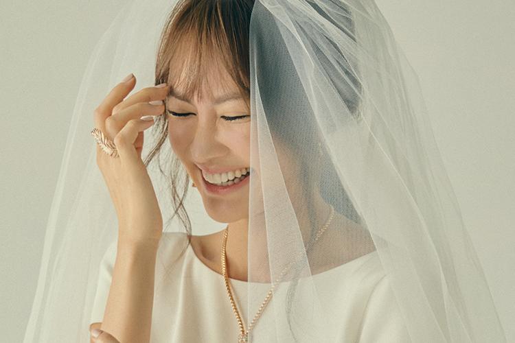 """""""일상 행복주의자가 됐어요!"""" 10월 결혼을 앞둔 양미라는 그 어느 때보다 씩씩하다. 우리가 기억하고 있던, 밝고 명랑한 기운도 그대로다::양미라,양미라화보,양미라엘르화보,양미라엘르,엘르9월호,엘르브라이드,elle,elle.co.kr::"""