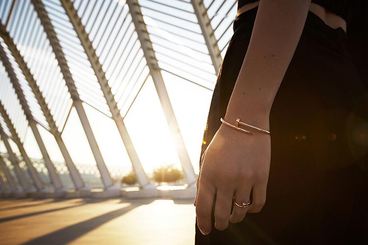 기존 모델보다 얇은 두께로 더욱 섬세하고 우아해진 저스트 앵 끌루 컬렉션 ::Cartier, 까르띠에, JusteunClou, 저스트앵끌루, 주얼리, 패션, 엘르, elle.co.kr::
