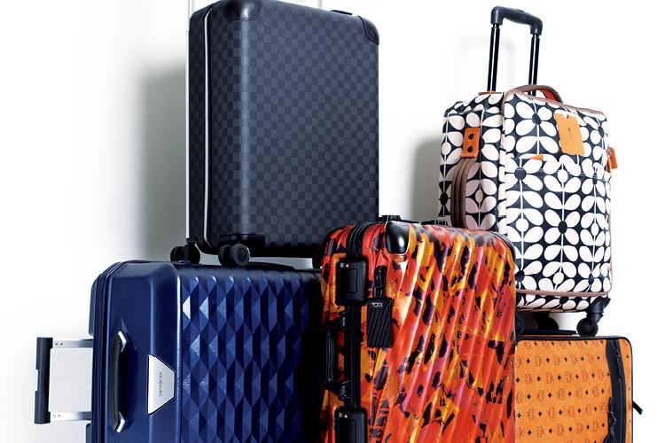 수많은 트롤리가 있어도 바로 눈에 띄는 패턴 트롤리! ::여행, 신혼여행, 신혼, 준비, 여행가방, 가방, 캐리어, 유니크, 엘르, elle.co.kr::