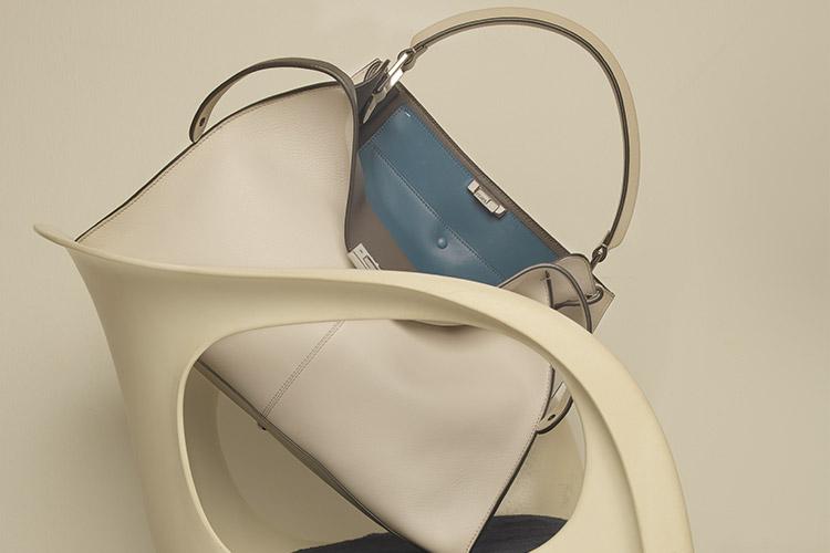 한 폭의 그림을 닮은 패션 아이템의 예술적 면모::패션,가방,백,토트백,액세서리,엘르,elle.co.kr::
