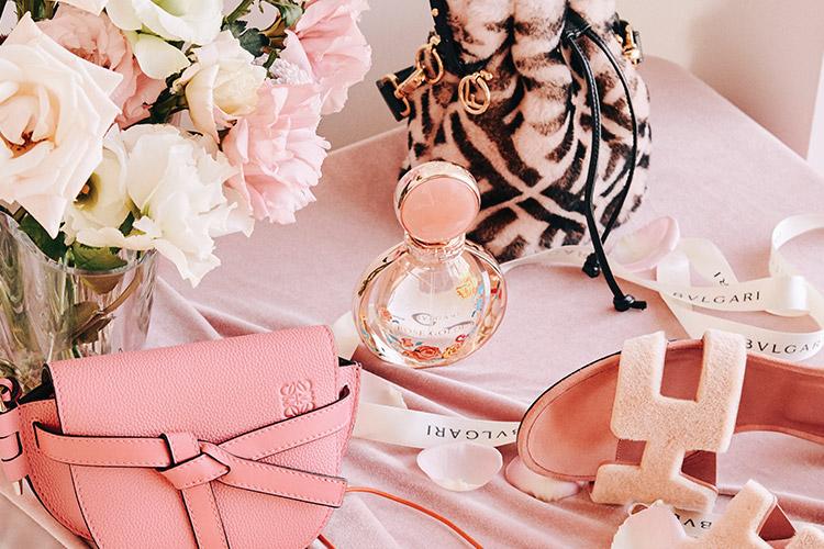 사랑스러운 핑크빛, 따스한 마음이 느껴지는 로맨틱 선물 리스트::핑크, PINK, 선물, 기프트, 연말, 로맨틱, 아이템, 뷰티, 패션, 엘르, elle.co.kr::