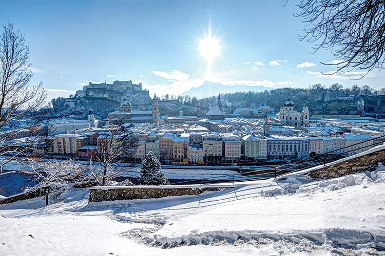 오스트리아 잘츠 부르크에서 기차로 1시간 30분. 새로운 알프스에서 겨울과 온천의 한복판에 뛰어들었다::알프스, 오스트리아, 겨울여행, 여행, 스키, 겨울 스포츠, 잘츠 부르크, 벨에포크, 건축물, 해외여행, 라이프, 엘르, elle.co.kr::