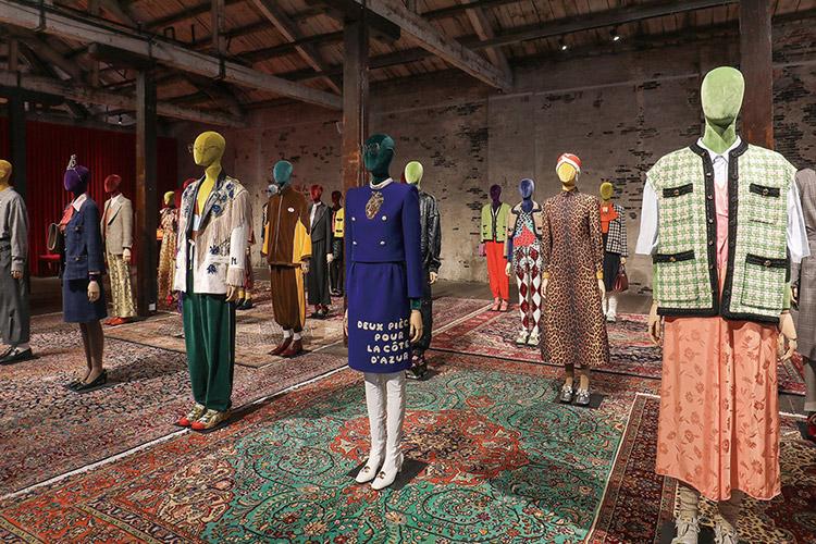 역사적인 르 팔라스 극장에서 열린 구찌의 패션 판타지가 상하이에 펼쳐졌다::구찌, GUCCI, 패션쇼, 빈티지, 알레산드로 미켈레, 2019S/S, 패션위크, 패션, 엘르, elle.co.kr::